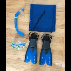 Youth Aqua Lung Snorkel, New Goggles, Fins, Bag